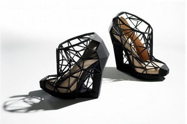 Shoe exhibition header