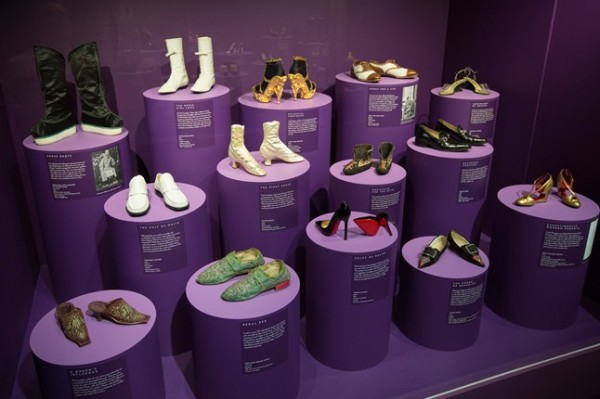 4-Installation-view-of-Shoes-Pleasure-and-Pain-at-the-VandA-Victoria-and-Albert-Museum_646x430