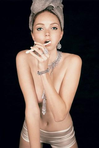 Vogue-Dec-2007-p319-Ben-Dunbar-Brunton_320x480