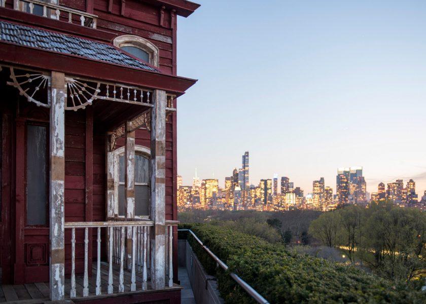 transitional-object-psychobarn-cornelia-parker-met-roof-garden-installation-new-york-usa_dezeen_1568_1