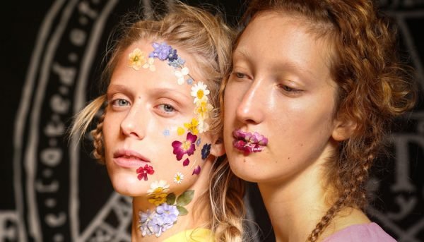 Extreme-Beauty-Trends-ss17-Catwalks-Unique-Style-Platform-00