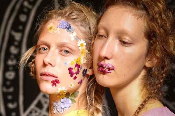 Extreme-Beauty-Trends-ss17-Catwalks-Unique-Style-Platform-00
