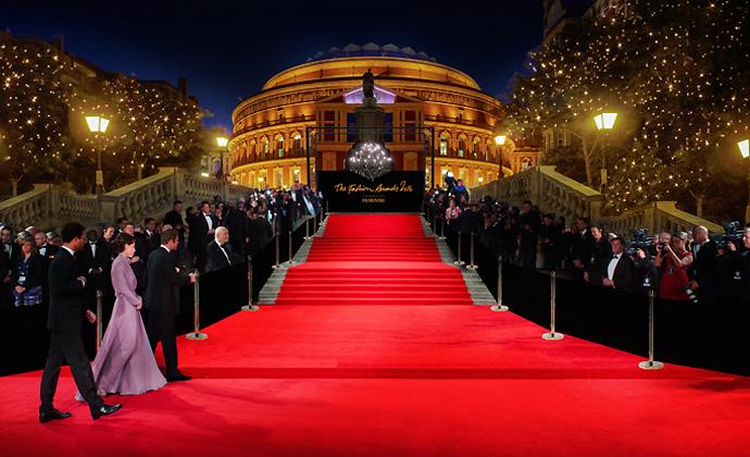 British-Fashion-Awards-2016-Red-Carpet-Unique-Style-Platform