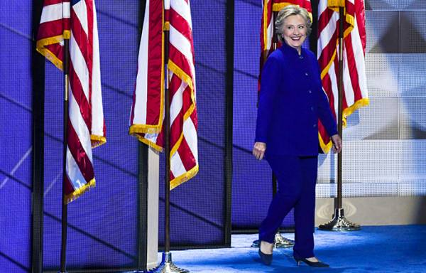 Pant-Suit-Nation-Hillary-Clinton-Unique-Style-Platform-01